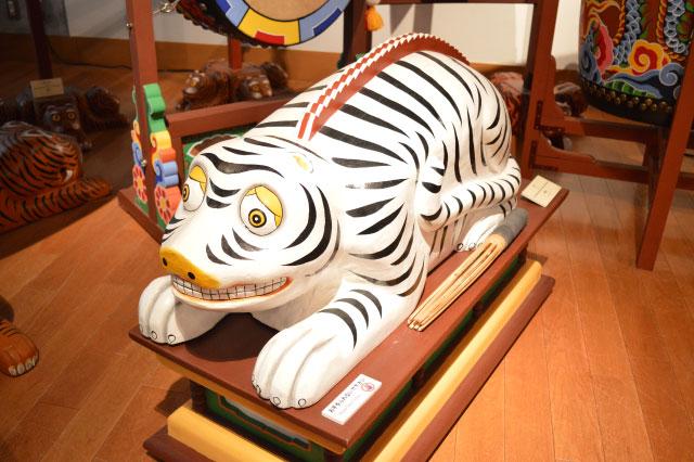 からだそのものが楽器になった白い虎