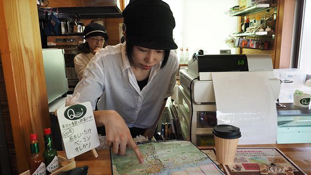 寒さに思わず寄り道。コーヒー飲みつつこちらでも聞いた。