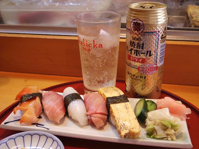 東久留米の回らない方のお店、きれいなお寿司が手ごろに食べられる上に持ち込みは本当にOK(酎ハイ以外でも!)。優しい大将のいる店でした。