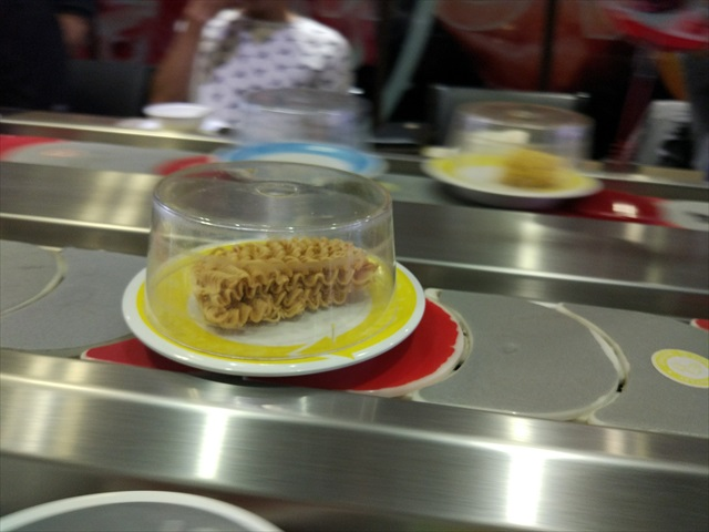 インスタント麺もありました。 そう、ベトナムの締めはこれやフォーになるのです。