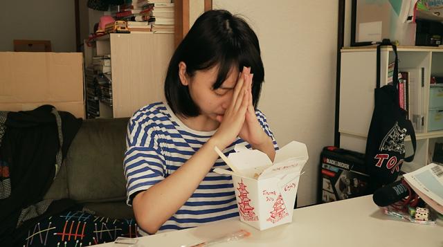 ペヤングはいつ食べても美味しい。私の貧相な感性からは、その一言しか出てこなかった。