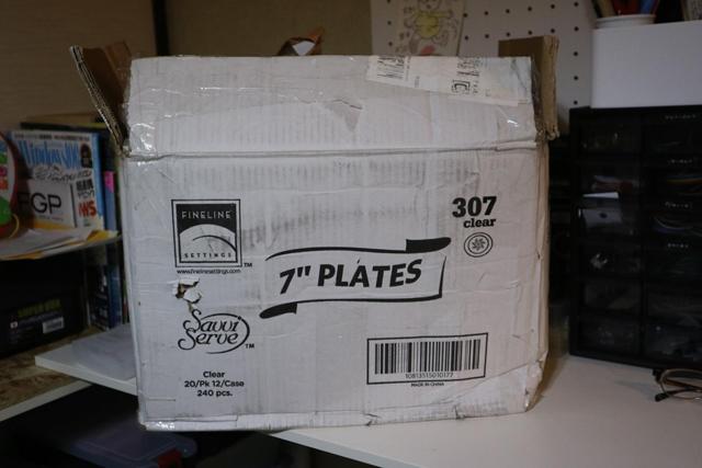 アメリカから輸送されてきたので2週間ほど待ったが、無事に届いた。箱のボロボロさがアメリカと日本の距離を物語っている。