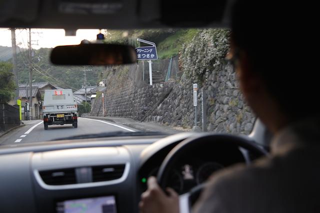 米谷さんの運転はめちゃくちゃに速い。