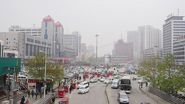 鄭州は大きな街です