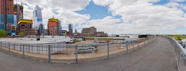 こんな感じ。向こうに見えるのは Hudson Yards 再開発プロジェクト。すごい再開発ぶりだった。