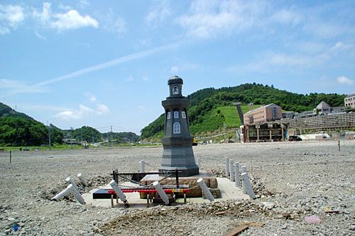 海側から見た地域医療センター方向。上の写真の撮影ポイントが、この写真の右端中央あたり。