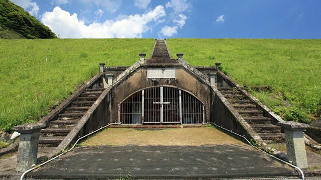 ダムとして造られた日本最初のダムを見せてもらいました。重要文化財に指定されるとのことで、集まった報道陣に本気のダムマニアが紛れます(安藤)