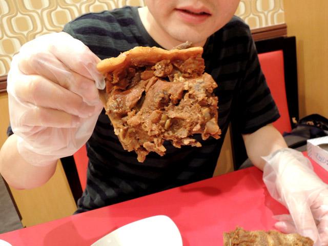 骨付き肉ならぬ「肉付き骨」とはいえ、けっこう食べるとこあるんすわ