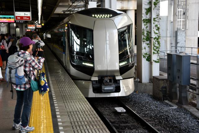 というワケで、北千住駅から9時過ぎ発の「リヴァティ会津」に乗る