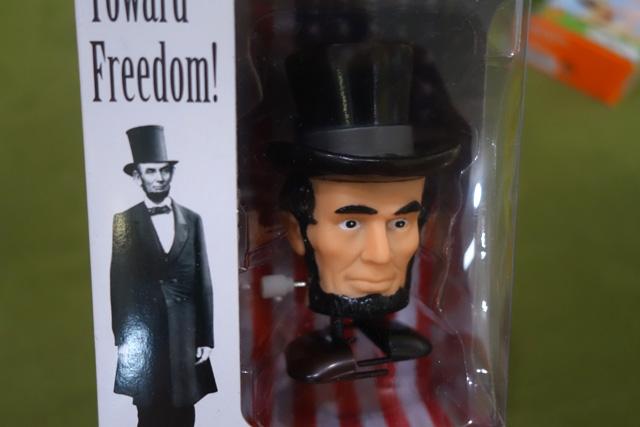 歩くリンカーンのあたま