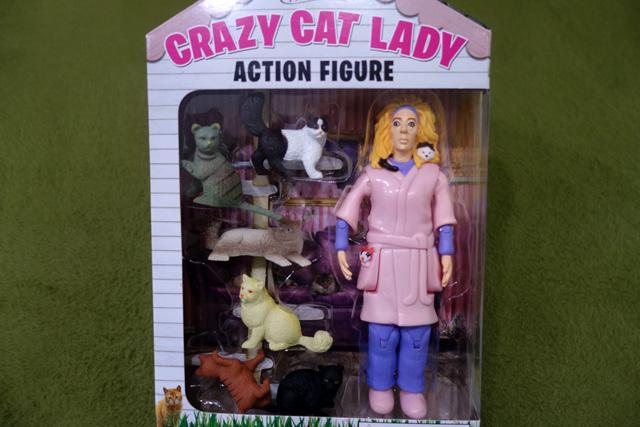 猫おばさんのフィギュア