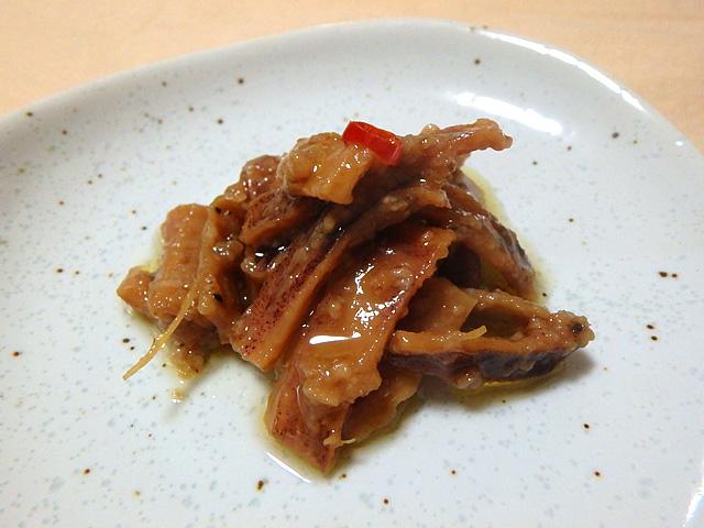 イカの中華風煮込みみたいな感じで食べる前の期待値は高かった。