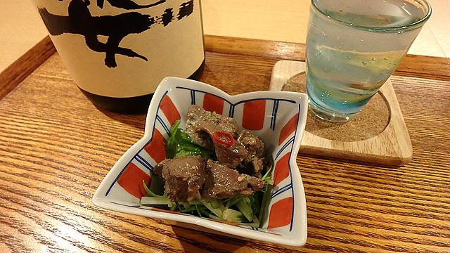レバーの味噌オイル漬け。うまいです。日本酒に最高!