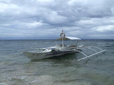 オウムガイ漁で使用されるボート。
