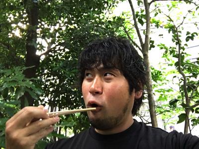 オウムガイ、おいしい!キモの味を楽しめるつぼ焼きの方がよりオススメ。