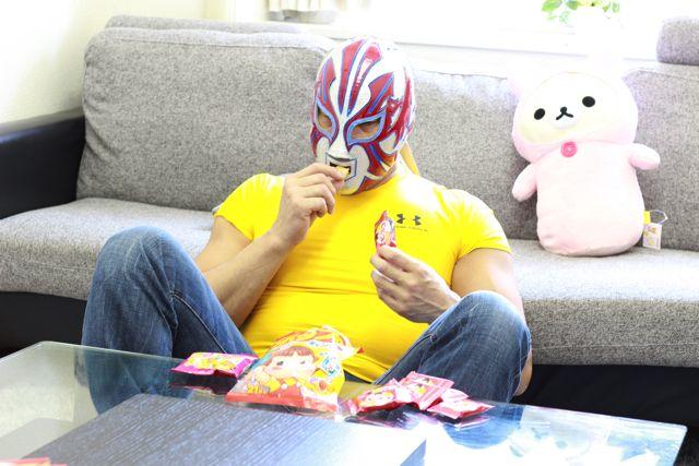 キャンディの次に好きなお菓子はビスコ。1人でお菓子パーティーもする。