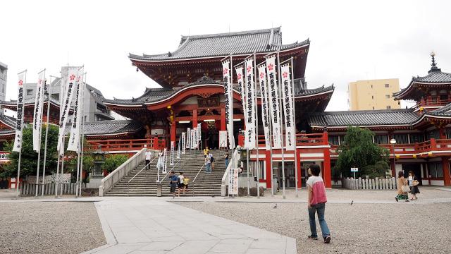 大須というと、こちらの「大須観音」が有名。