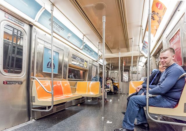 ニューヨークの地下鉄を味わいつつ、路線図に異議を唱えたくなり、最終的に納得した顛末です。