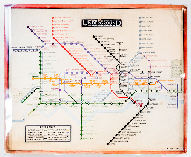 神・Harry Beck さんによる最初のダイアグラム路線図。美しい。 London Transport Museum(ロンドン交通博物館)で撮影。