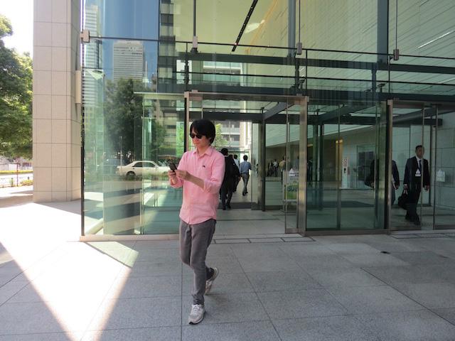 一方そのころ、スマホ泥棒はニフティ社屋から新宿の街へ逃亡……!