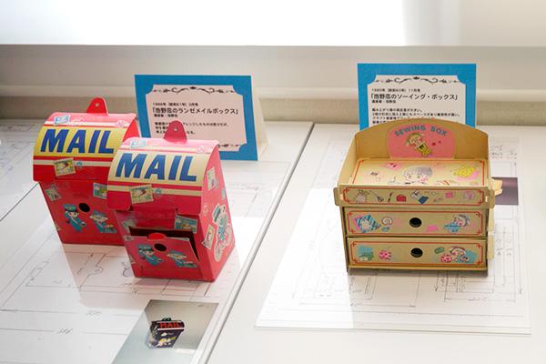 届いた手紙を入れるポスト型のボックスや、ソーイングセットを入れる引き出しも実用品として使える「紙ふろく」