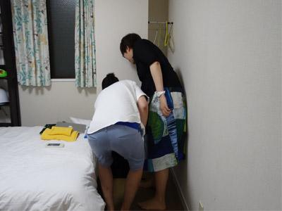 砂川さんが住さんの鞄のなかにドラムスティックを見つけて、「あ、こういうのもやってるんですかー」と言っていたが、それはセッティじゃなくて住さんのマジ持ち物だからやめておけ。