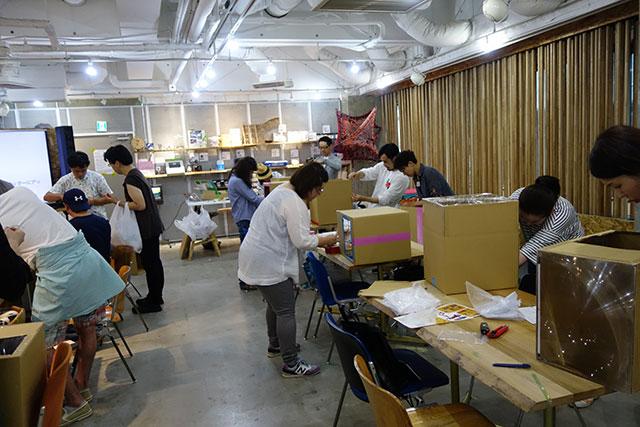 先日渋谷で開催したワークショップの様子。1時間ほどで組み立てられます