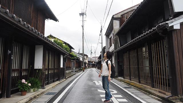 芹町。江戸時代の建物が多く見られる。道路の狭さが当時のままでいい雰囲気。