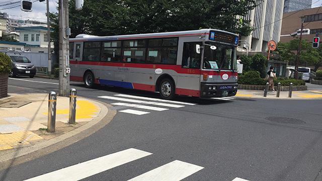 05系統のバスで