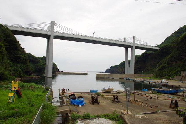 ドローンでの空撮みたいな写真が続いたが、平成14年にできた橋からの撮影でした。