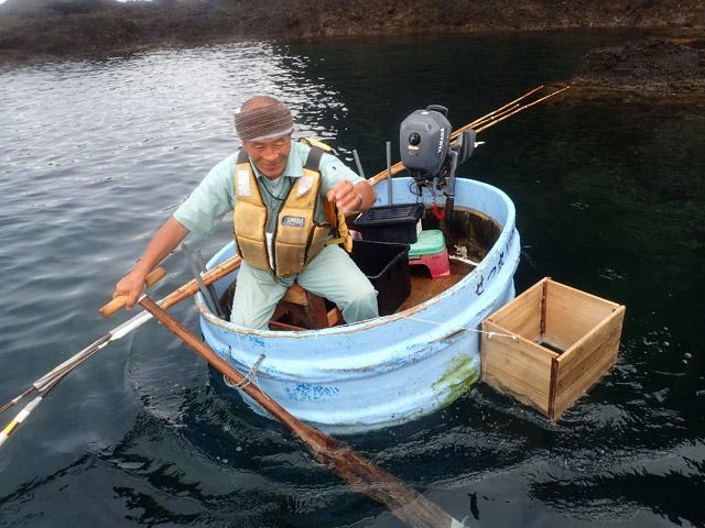 たらい舟が私を乗せるために近づいてくるという、人生に何度もないであろう喜びの瞬間。