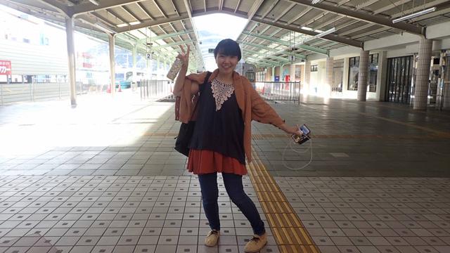 下田駅に到着直後、ふぁーってなって周囲を撮り歩いていたら駅員さんが「撮りましょうか?」と聞いてくれた。浮かれている