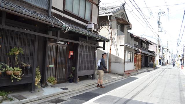 京町家の家並みが続く