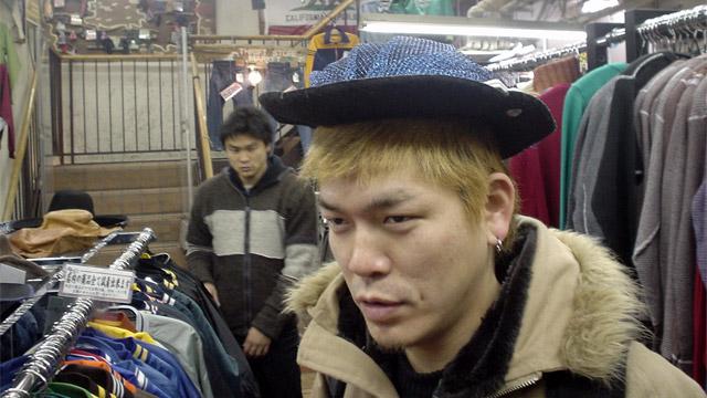 椎名林檎みたいな帽子も余裕で入らず