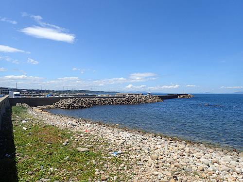 まずは大山町の御来屋漁港の脇からスタート。