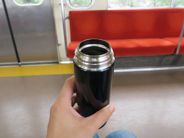 バスから電車に乗り継いで、そこでも中でもネギトロ食べた。結局全部なくなってしまった。空腹だったのかもしれない