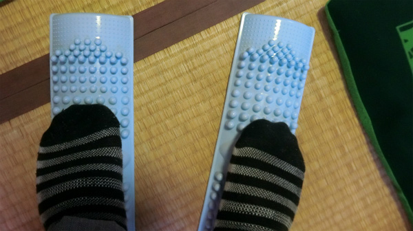 足の長さを合わせて切ろうとして気づいた。これ切れないな。