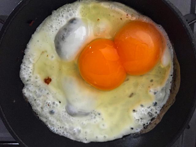 かわいらしい二黄卵でした!