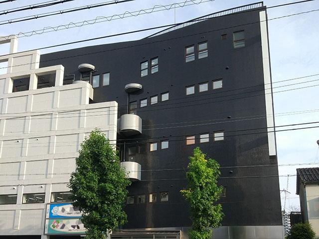 こちらは銭湯ではなくなった建物です。