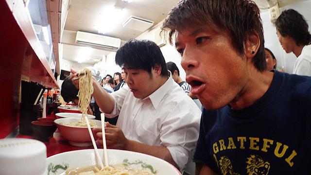 かつて先輩は言っていた、二郎は食うか食われるかですから、と。