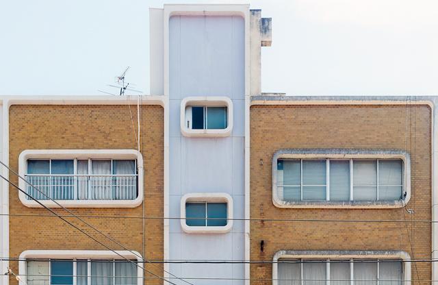 こういうビルを「かわいいビル」と呼んで、ひたすら愛でる日々を送っています。