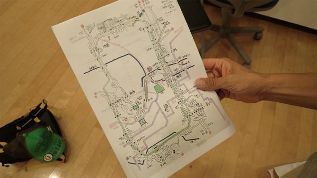 手書きの設計図。路線図じゃないかこれは