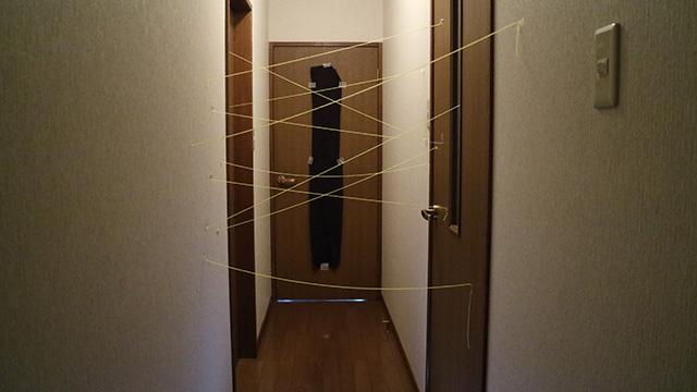 家の廊下にセキュリティを再現。