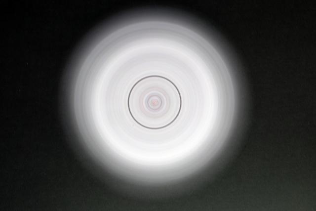 第3問.中心に黒い輪ができてる