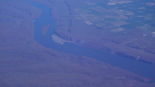 あきらかに多摩川や江戸川ではない感じの川