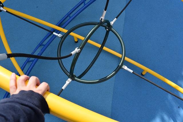 上ってみてもやっぱりわからなかった。あの輪にダイブしろということだろうか?