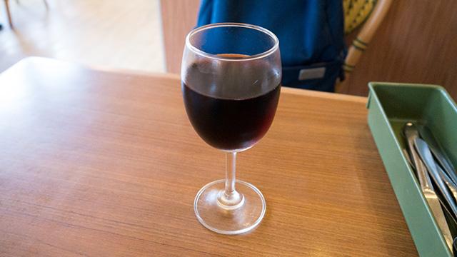 ワインは「似てるけどいつものとは違うかも」という感想。とかいいつつ、まったく同じの可能性もある。来世はワインの味を的確に感じられる人間に生まれ変わりたい。