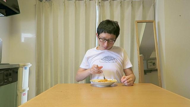 「スパゲティーの絵の位置が下過ぎたのかな?」と微妙に調節したりして