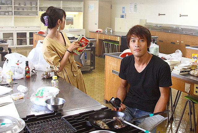 ニフティ営業の橋本さん、編集部安藤さん、わたくし松本の3名でバッドエンドめしを作って食べます。