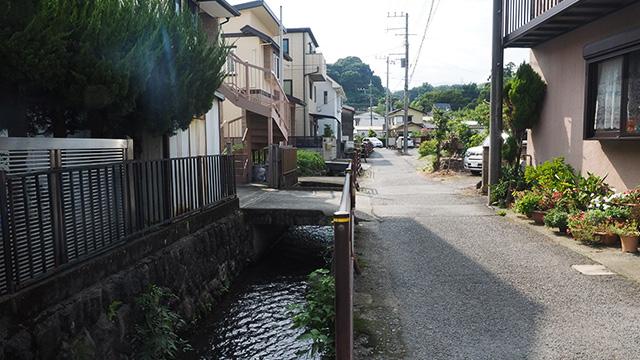小田原らしい景色のひとつ。開渠だ。